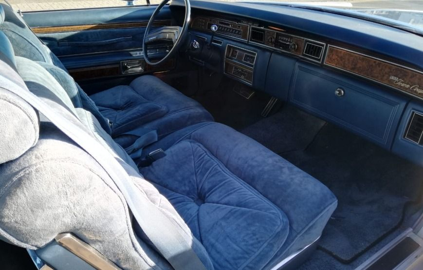 Inne Lincoln Continental Town Coupe- Rok 1975 - Kolor Srebrny